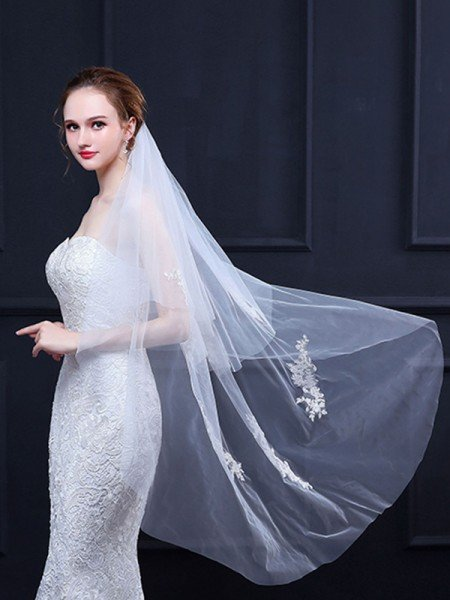 Pretty Tulle With Applique Wedding Veils