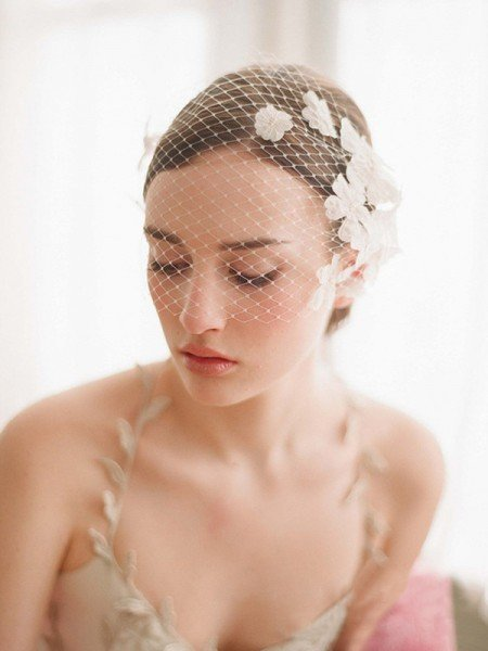 One-tier Birdcage Veils With Flower