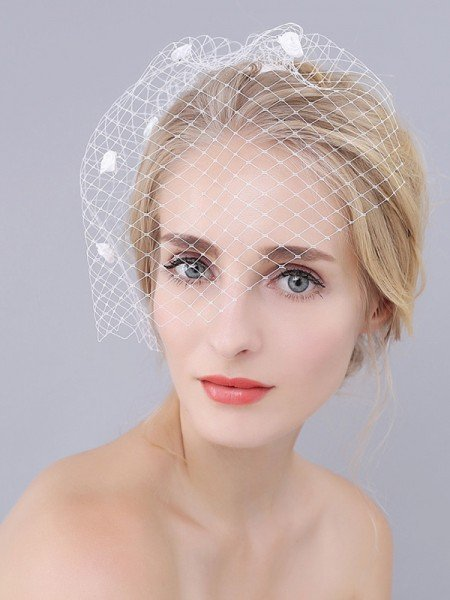 One-tier Cut Edge Birdcage Veils With Flower