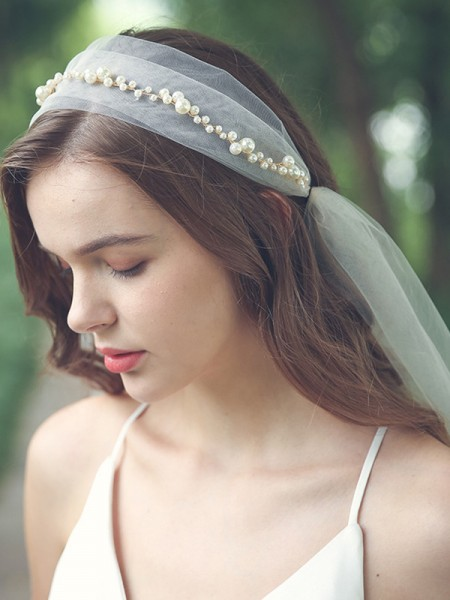 Charming Tulle One-Tier Elbow Bridal Veils With Imitation Pearl