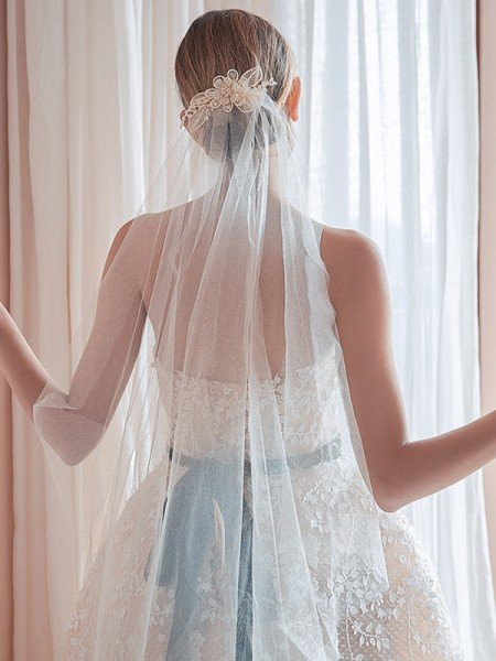 Elegant Tulle One-Tier Waltz Bridal Veils With Crystal/Imitation Pearl