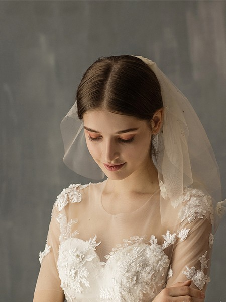 Wonderful Tulle Two-Tier Shoulder Veils With Applique