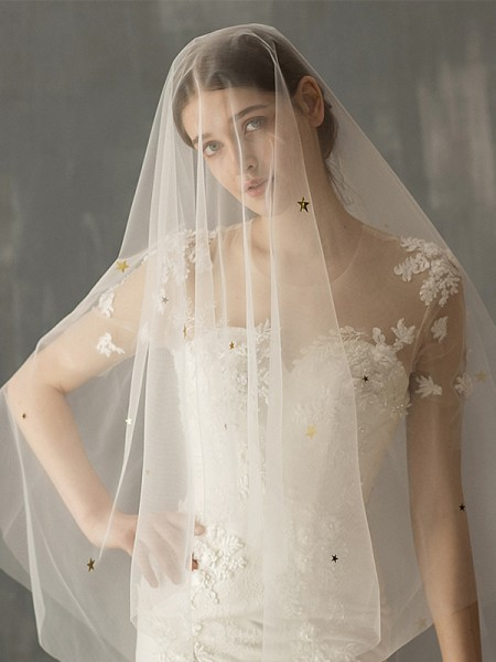 Elegant Tulle Two-Tier Fingertip Bridal Veils With Sequin