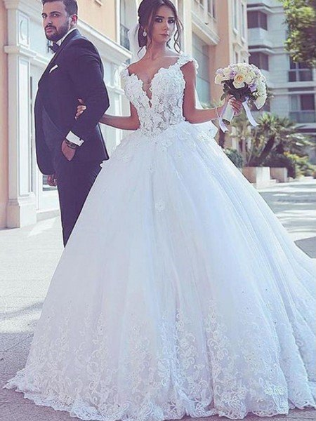Ball Gown Sweetheart Sleeveless Sweep/Brush Train Lace Tulle Wedding Dresses