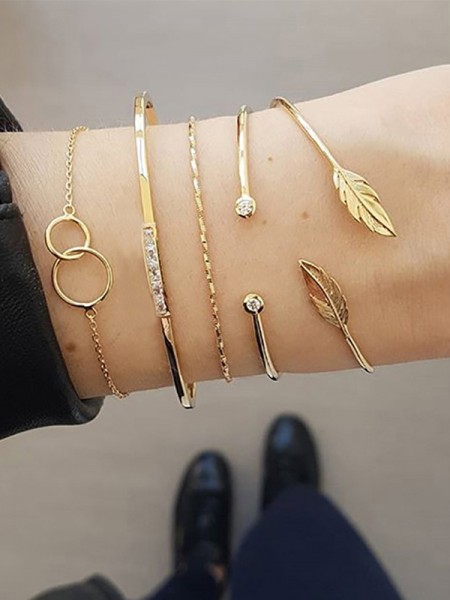 Elegant Alloy With Rhinestone Bracelets(5 Pieces)