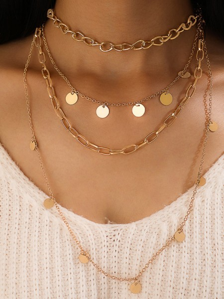 Splendid Alloy Necklaces