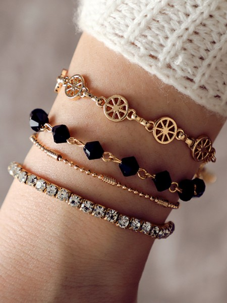 Charming Alloy With Rhinestone Bracelets(4 Pieces)