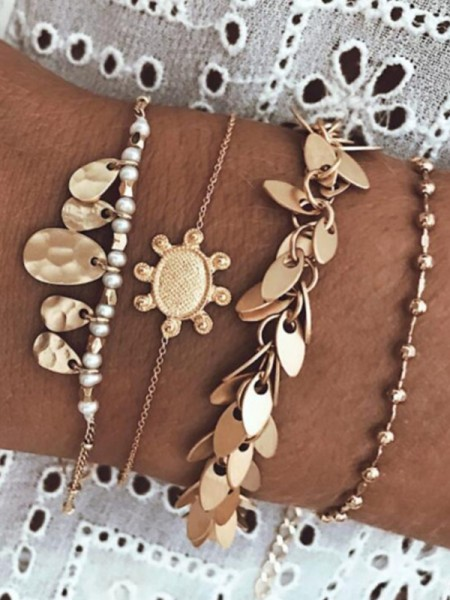 Flawless Alloy With Leaf Bracelets(4 Pieces)