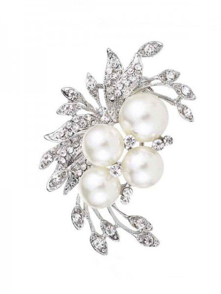 Flower Shaped Alloy With Rhinestone/Imitation Pearl Ladies' Brooch